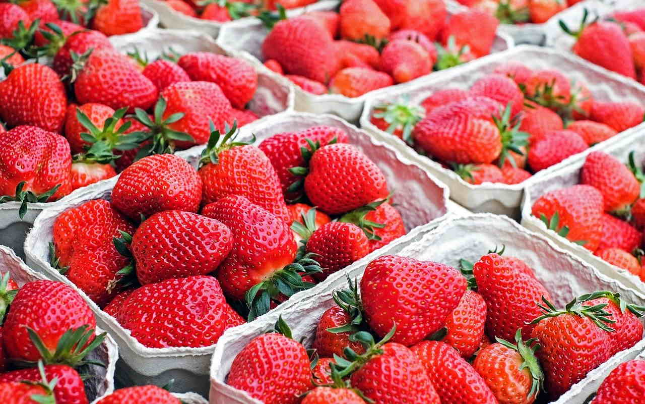 market stall strawberries